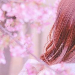 日本人の髪はどうして赤みやオレンジ色になりやすい?そんな方へのおすすめカラー